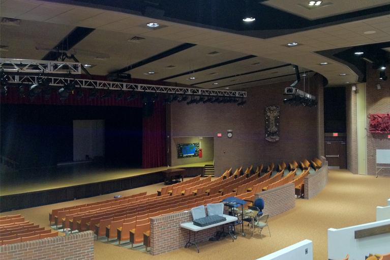 Southampton_UFSD_Auditorium_767x511